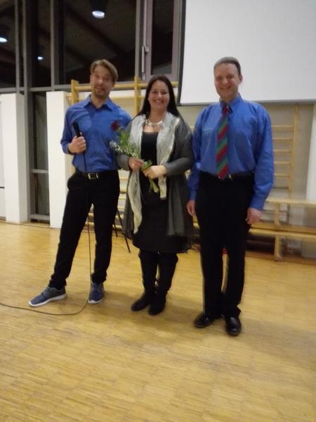 2017.01.22. (14) Ehrung der Dirigentin Tania Hiby duch die Vorstände